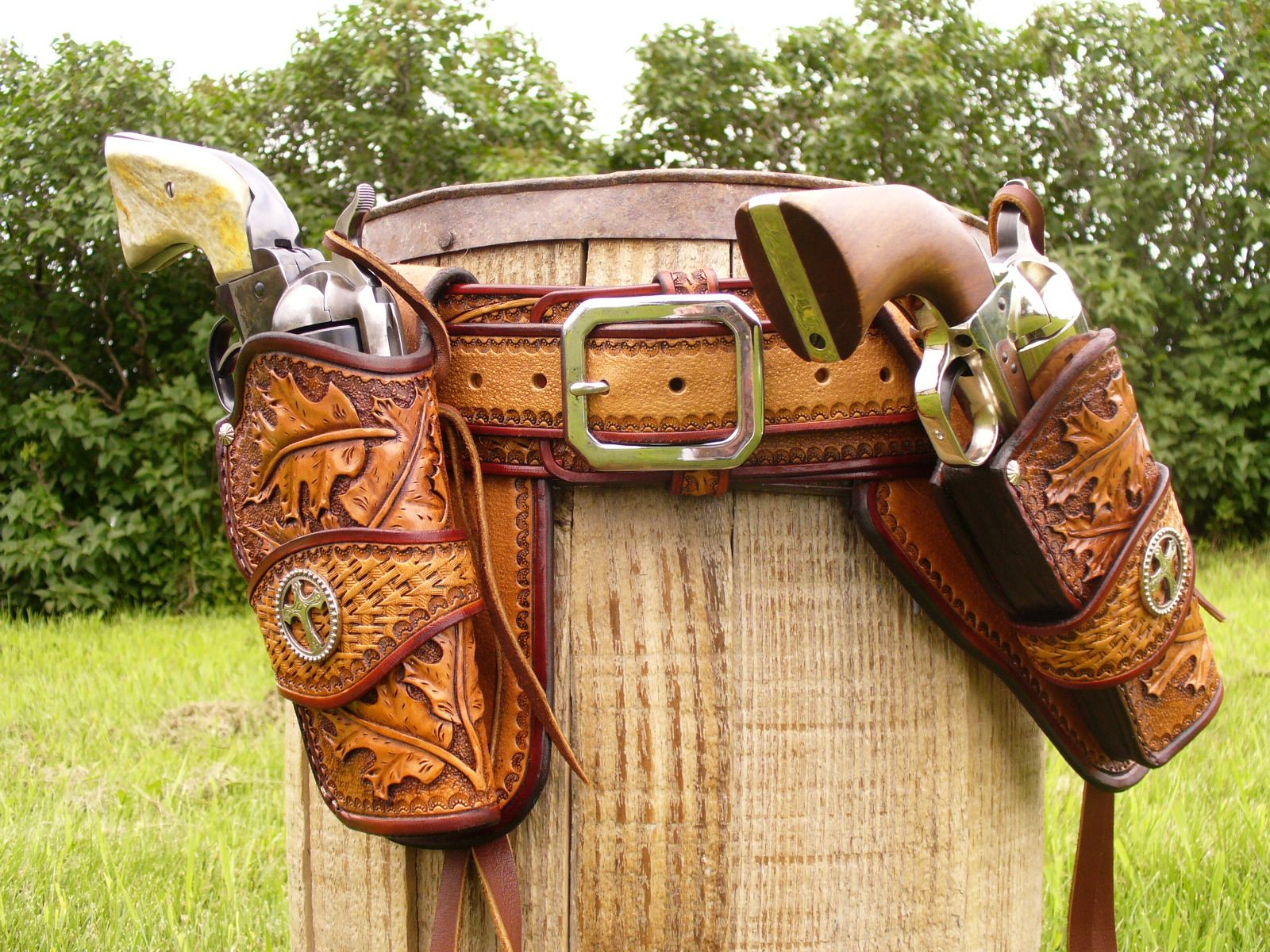 The leather shoulder holsters that fit you