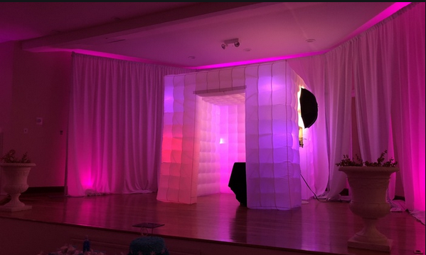 The iPad photo booth allows people to take photos and share them on social networks