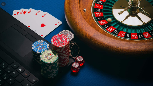 A few of the large list of advantages associated with online gambling