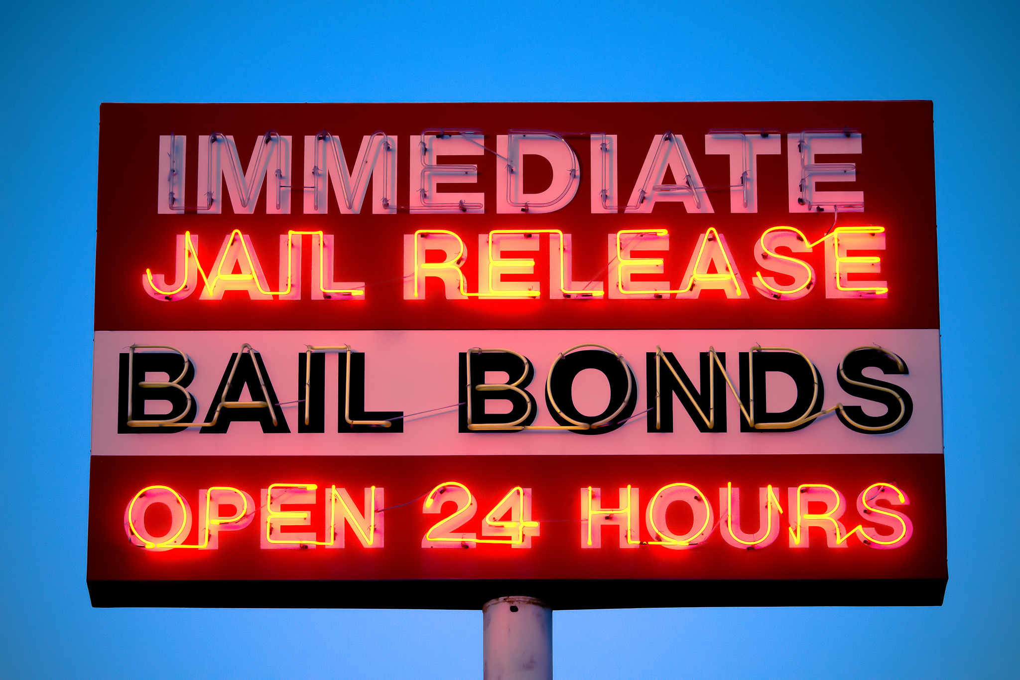 What services does Michigan bail bondsman offer?