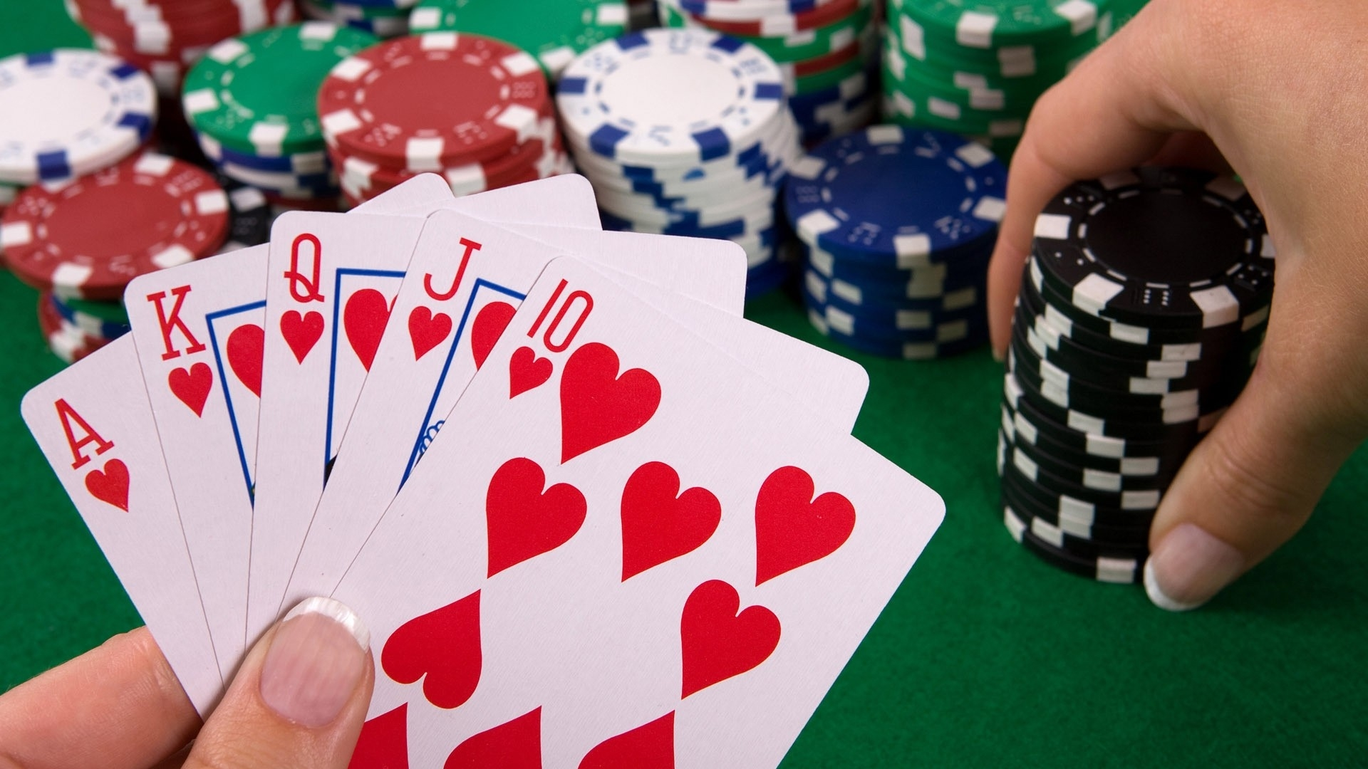 Read This Before Starting to Play Online Poker